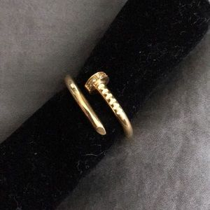 Accessories - Gold nail ring with rhinestones